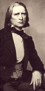 Franz Liszt, fotografiert in München von Franz Hanfstaengl 1858 © wikimedia.commons (gemeinfrei)