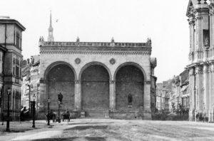 Münchner Feldherrnhalle vor 1891 © wikimedia.commons (gemeinfrei)