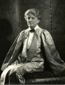 Ethel Smyth in Ehrenrobe © gemeinfrei